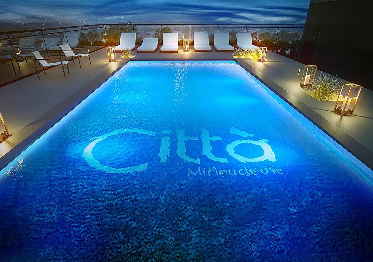Città piscine extérieure