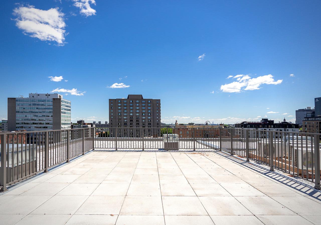 le neuf cent terrace