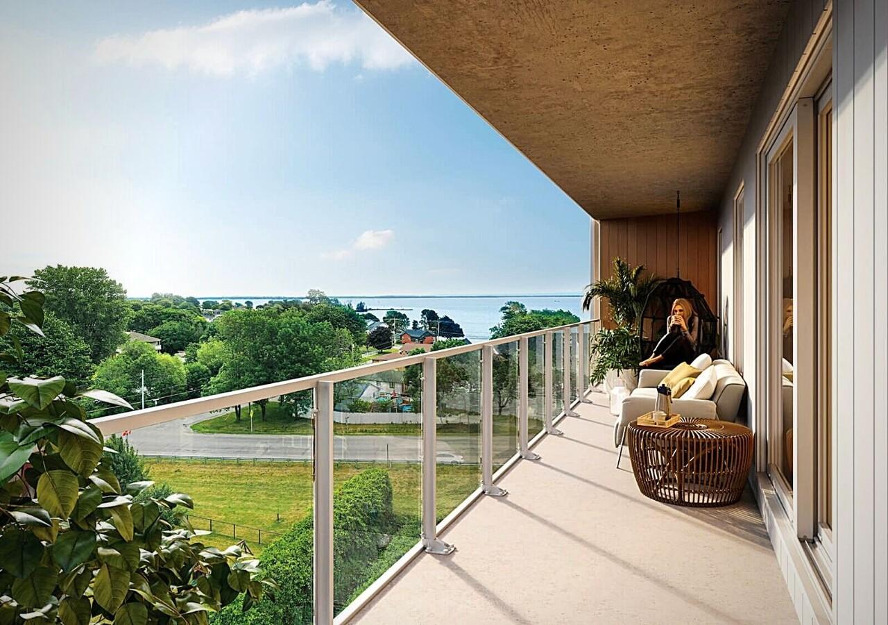 Magnifique balcon avec vue sur l'eau