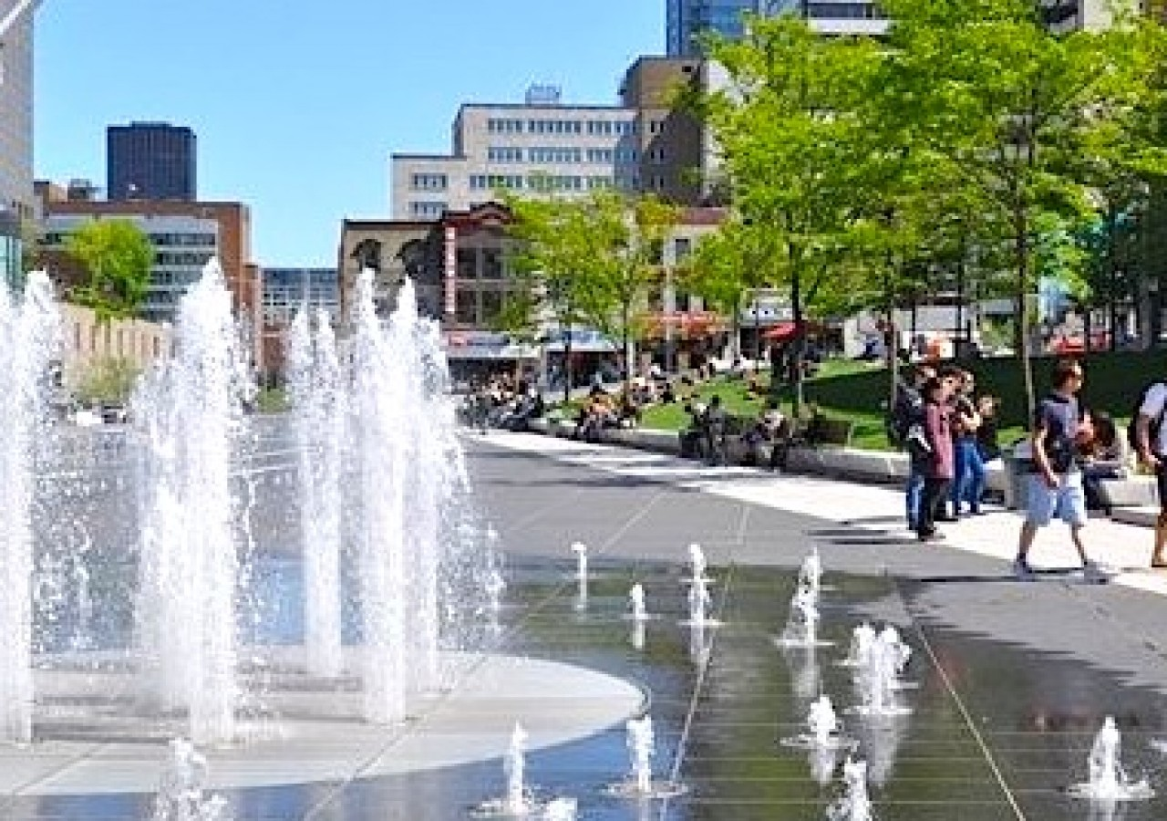 b et c vie en été à Montreal