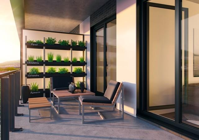 Balcon avec plantes