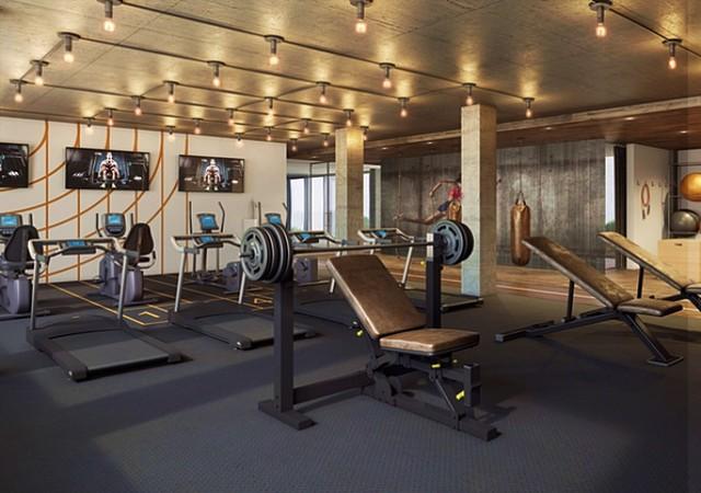 Salle d'entraînement avec plusieurs machines