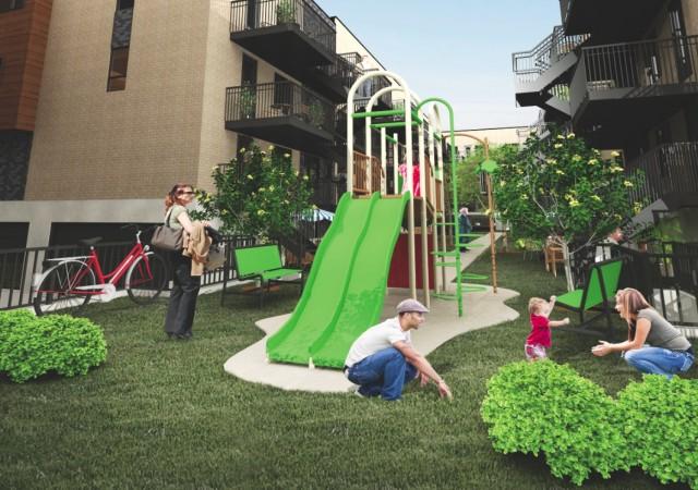 Cours intérieure avec jeux pour enfants et jardins