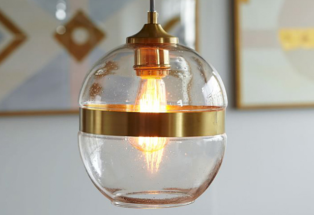 une lampe utilisant un or pur pour illustré la tendance 2016