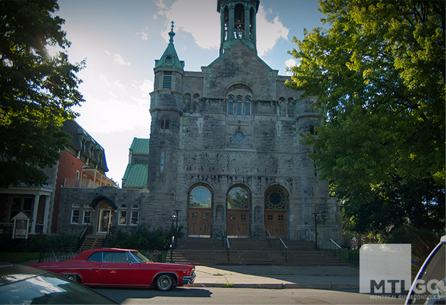 Une façade d'église