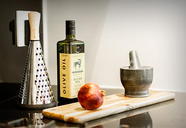 huile d'olive rape à fromage et mortier