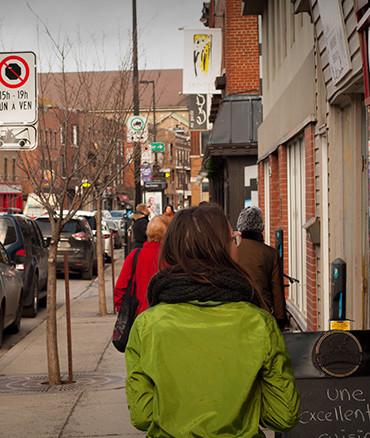 marcher sur la rue ontario
