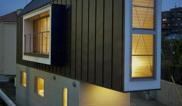 petite-maison-japonnaise-de-nuit