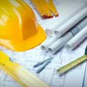 casque de construction et plans