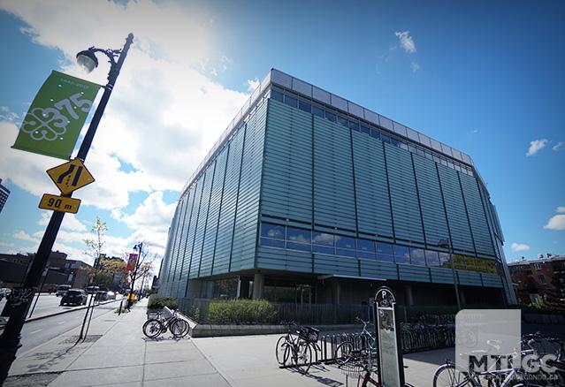 Bibliothèque et Archives nationales du Québec vue de l'exterieur
