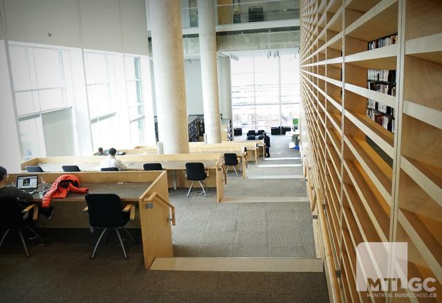 Salle d'étude à la banQ