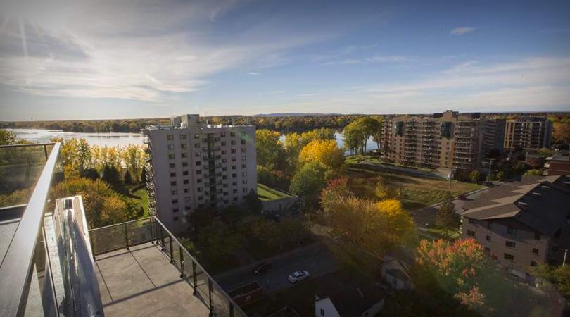 vue du toit du projet locatif tour de la rive boisee