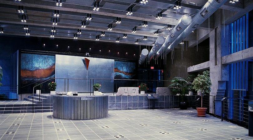 dan hanganu hall du musée pointe à callières