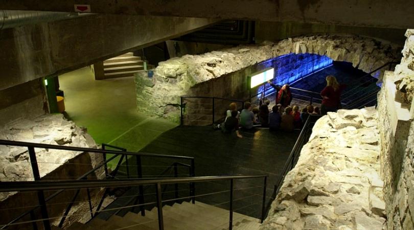 dan hanganu intérieur du musée pointe à callières