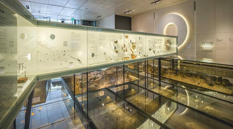 dan hanganu le plancher de verre du musée pointe à callières