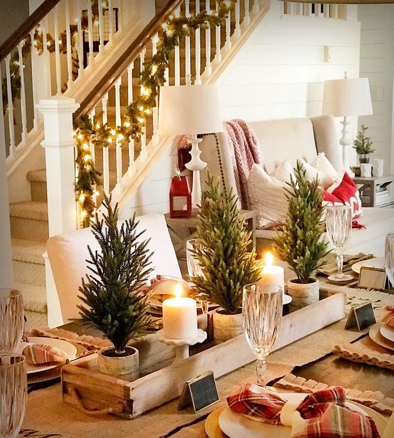 Table à manger comme décoration du temps des fêtes